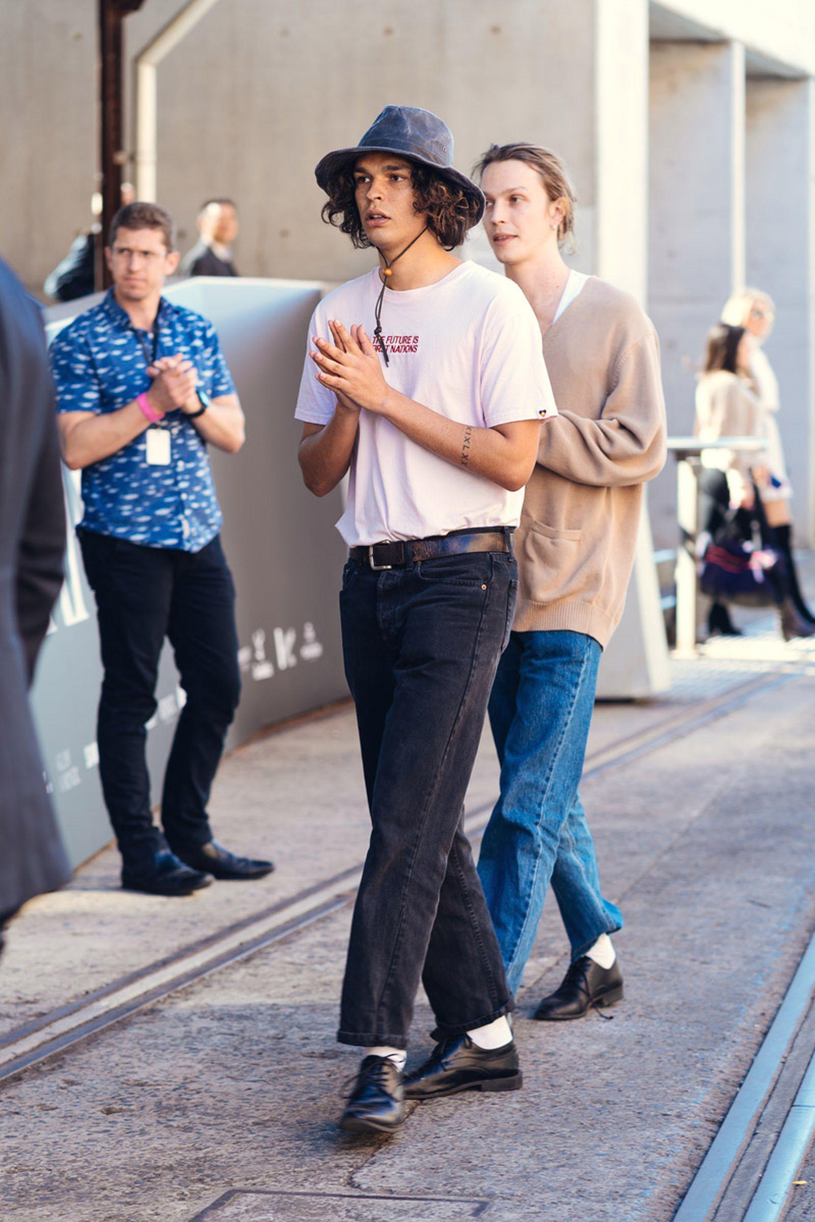 australian-fashion-week-2021-street-style-09