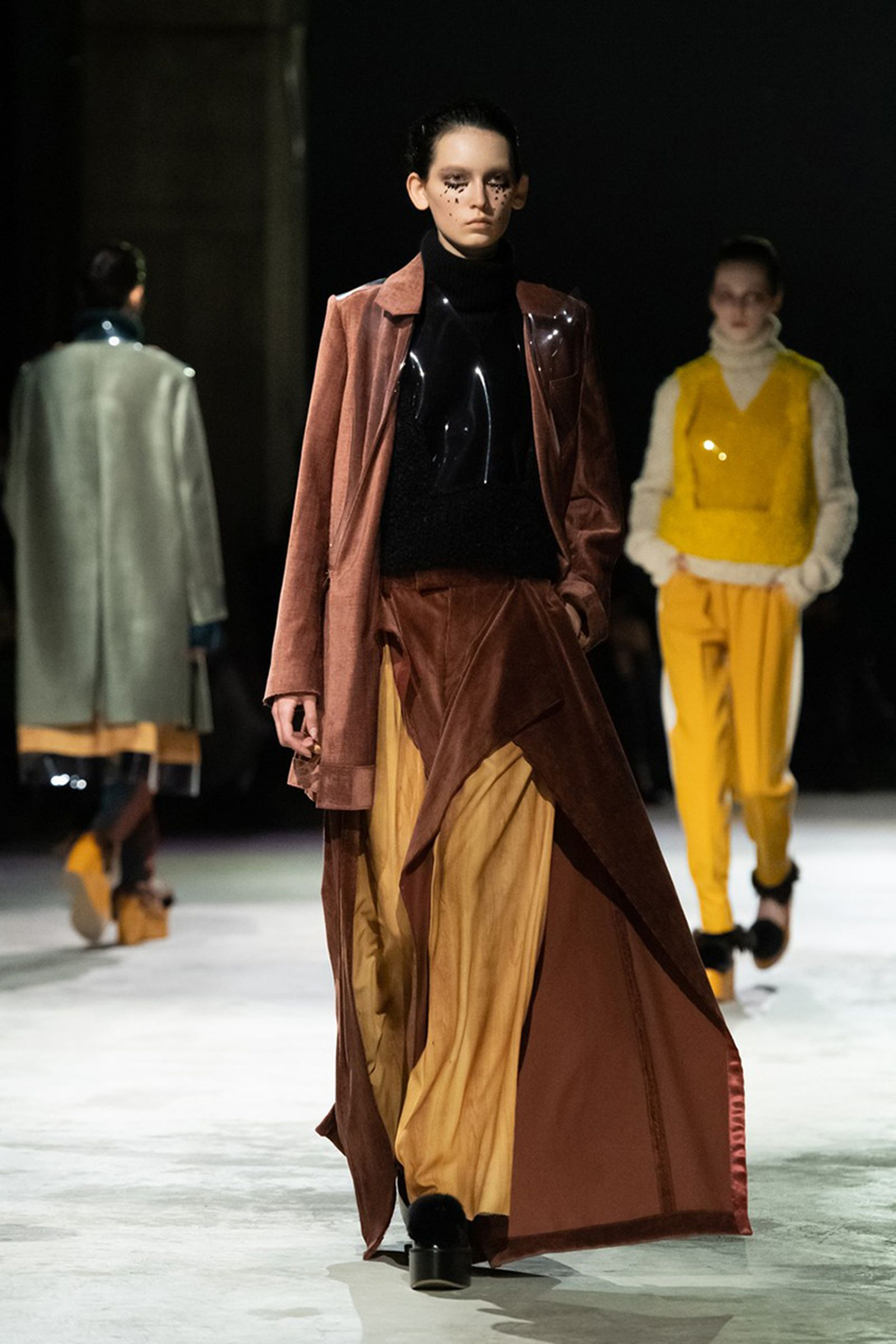 undercover-fw21-show-tokyo-fashion-week-12