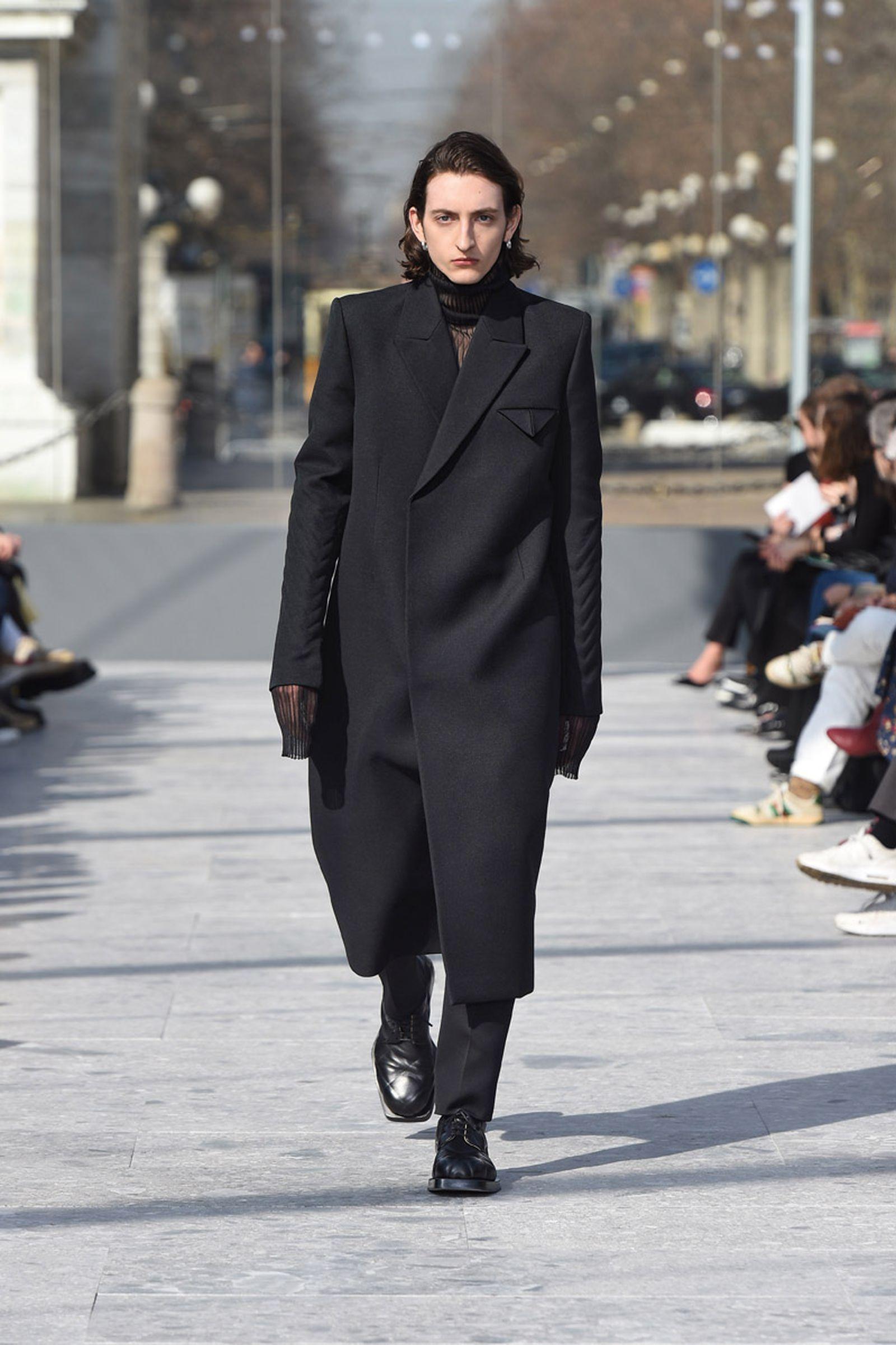 bottega-veneta-is-bringing-timeless-luxury-back-to-fashion-03