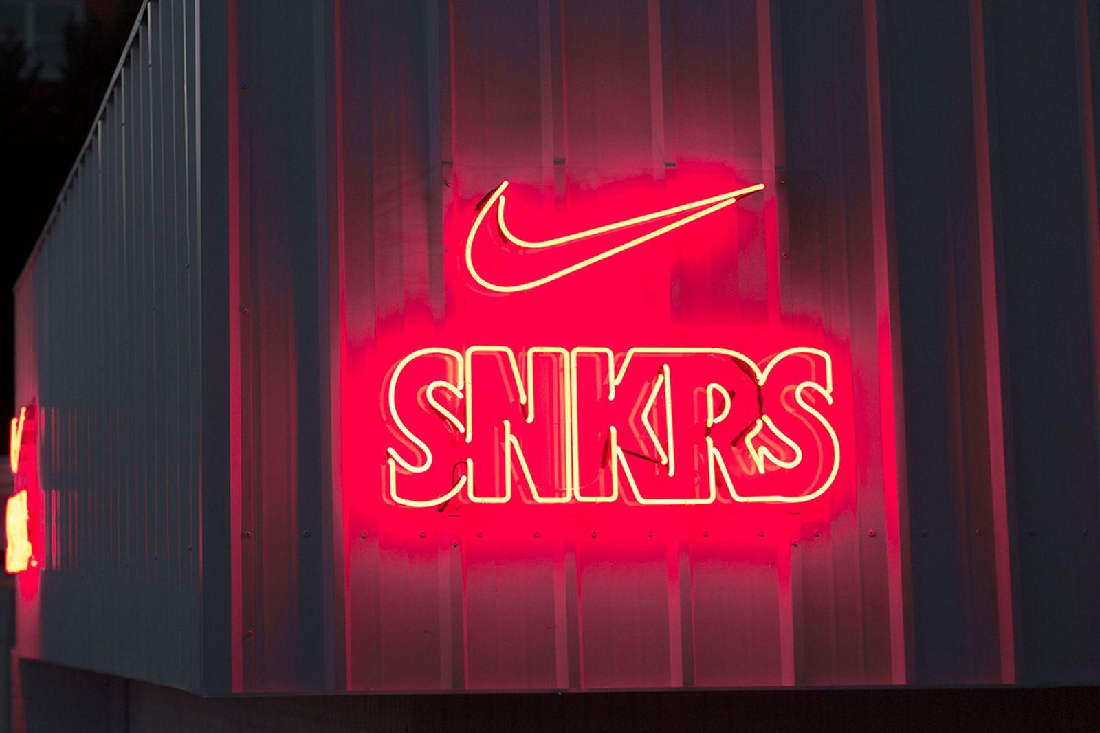 nike restock the ten snkrs pop up Super Bowl LIII nike SNKRS