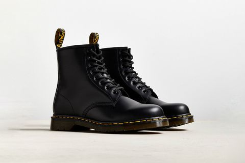 Core 1460 8-Eye Boot