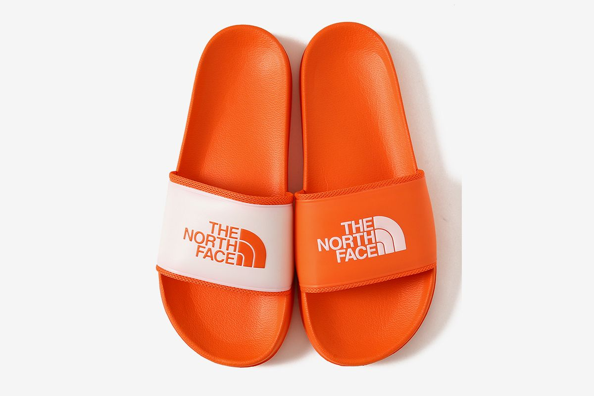 734a45f1bceb00 BEAMS   The North Face Just Dropped Your Go-To Summer Slides
