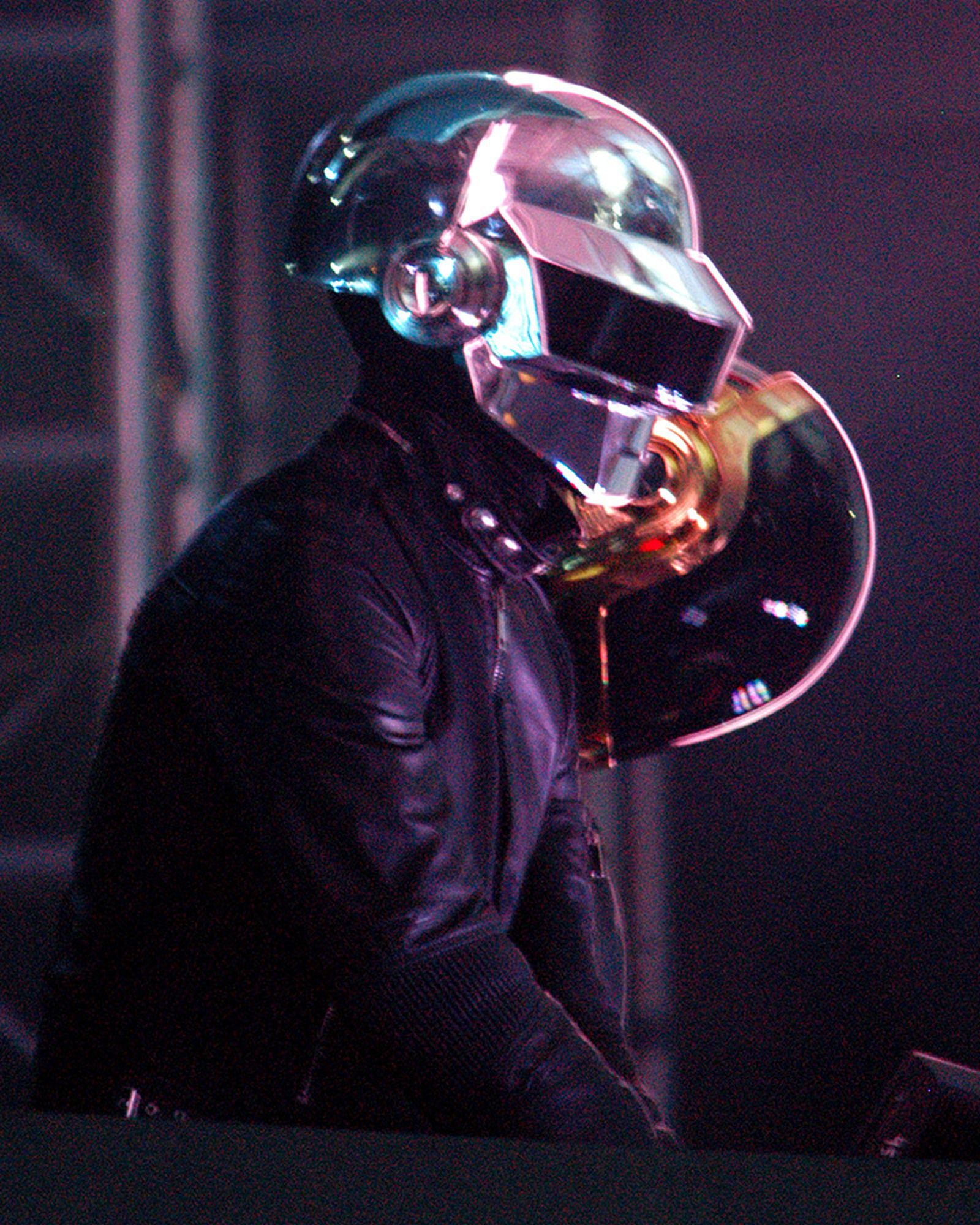 remembering-10-years-of-daft-punk-through-the-eyes-of-a-superfan-03