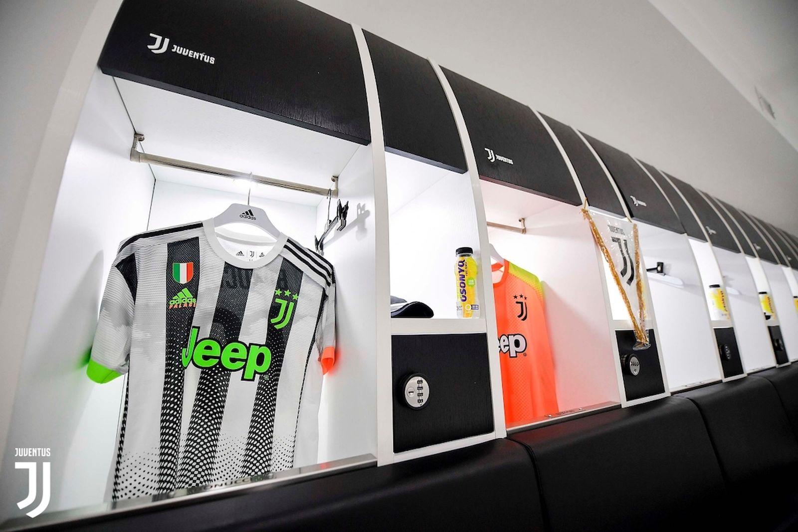 Juventus Palace Kits