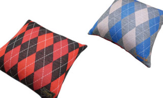 Gallery 1950 x Unrivaled Pillows