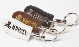 "Johnny Cupcakes ""Mini Oven Mitt"" Key Chains"