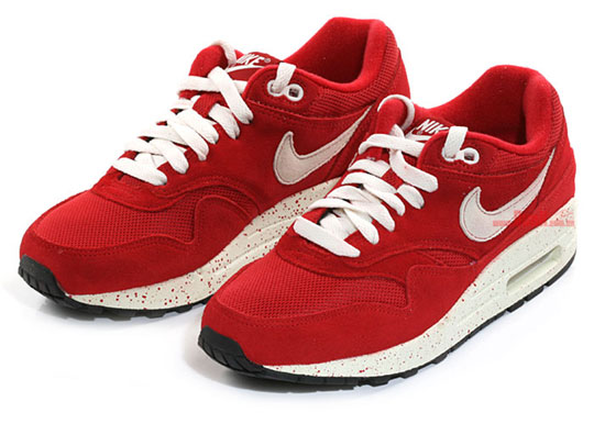 red air max one