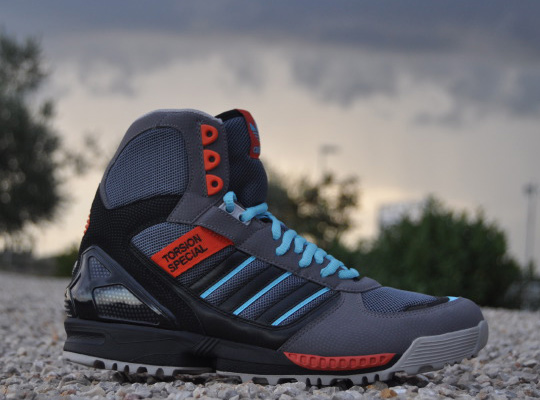 adidas high top running shoes