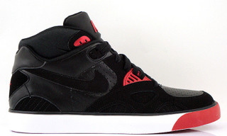 Nike Auto Trainer Black/Red Fall 2010