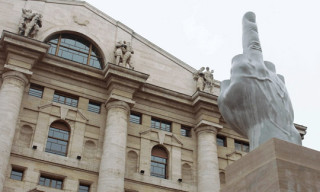 "Maurizio Cattelan ""Middle Finger"" at the Milano Stock Exchange"