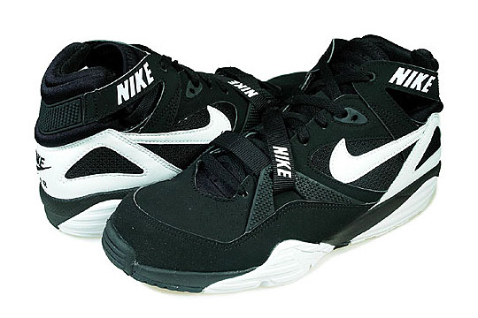 nike air trainer max 91 black white colorway highsnobiety. Black Bedroom Furniture Sets. Home Design Ideas