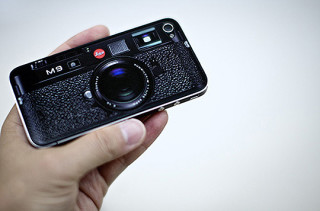 leica-m9-iphone-skin-1-320x211.jpg