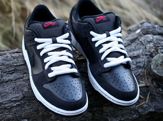 nike sb dunks low black