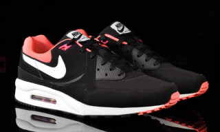 Nike Air Max Light Black/Voltage Cherry