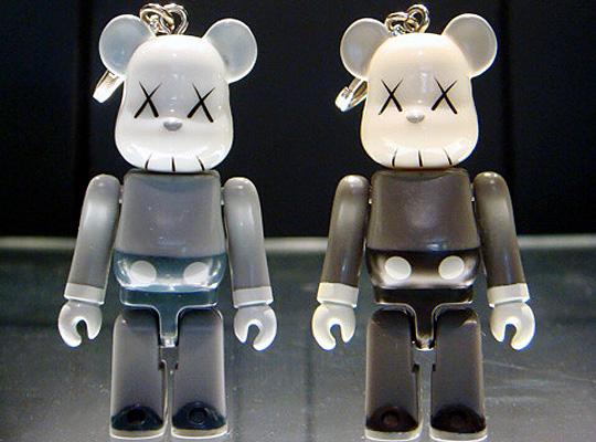 Original Fake 5th Anniversary Kaws Companion 70 Bearbrick