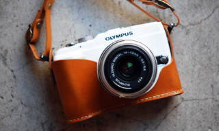 Roberu Holder & Strap for Olympus E-PL2