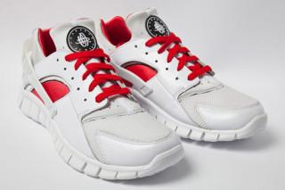 nike huarache white and red
