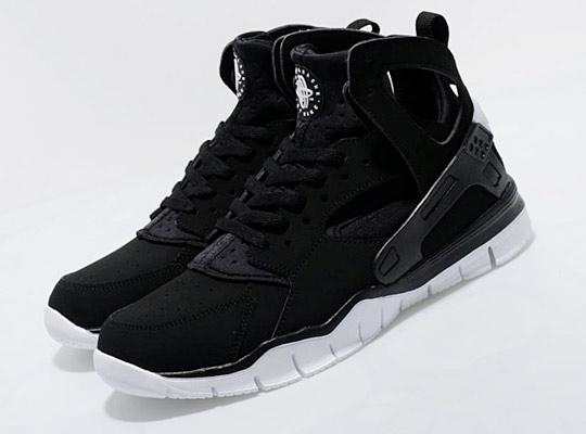 Huaraches Basketball Shoes