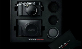 Fujifilm X100 Black Premium Limited Edition Set