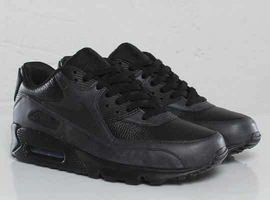 nike black leather air max