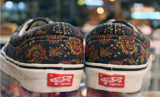 vans authentic x supreme