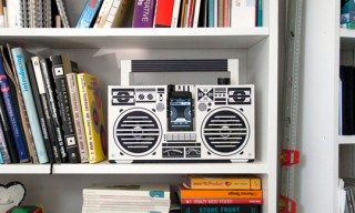 Berlin Boombox – A Cardboard Stereo Speaker for the iPhone