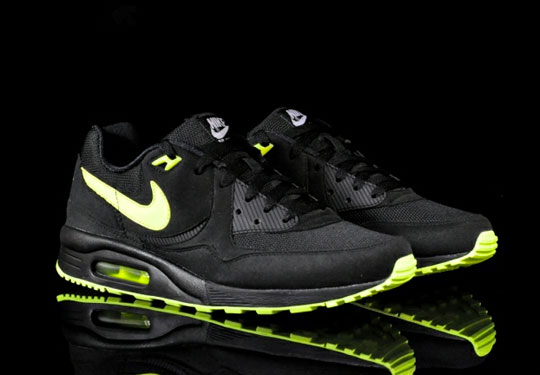 Nike Air Max Light Black Volt