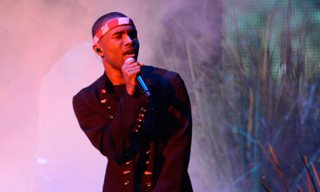 "Frank Ocean Performs ""Thinkin Bout You"" at MTV's Video Music Awards"