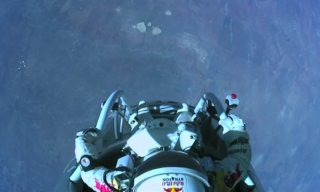 Felix Baumgartner Completes 'Jump From the Edge of Space'