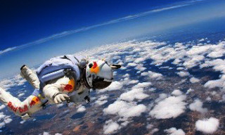 Live Coverage of the Base Jump from the Edge Of Space