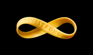 Lance Armstrong Dropped by Nike, Steps Down from LIVESTRONG