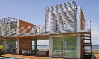 Bay House by Roger Ferris and Partners