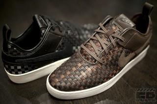 half off 48e24 7ff72 Nike Courtside Woven NSW – BlackBlack  BrownBrown
