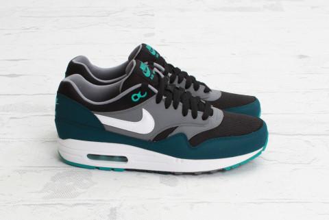 Nike Air Max 1 Essential Black-Mid Turquoise