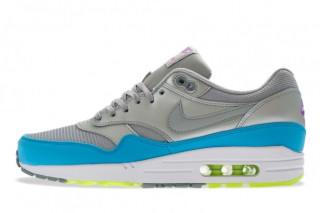 1 / 2. Air Max 1 fans have ...