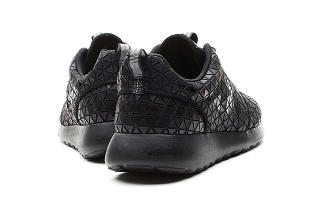 sports shoes b490c 5b564 nike roshe run triangle black