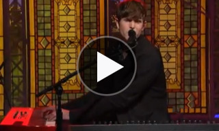 "James Blake Performs ""Retrograde"" on the 'Late Show with David Letterman'"