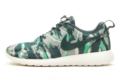 nike roshe run green