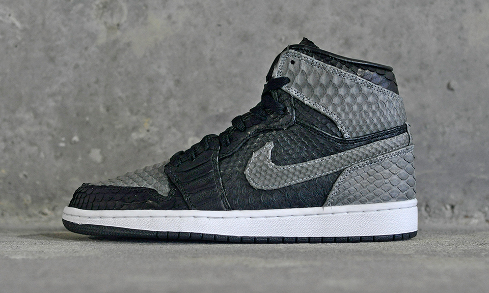 "Air Jordan 1 ""Shadow Python"" by JBF Customs  833e96681"