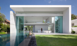 Ramat Hasharon House 13 by Pitsou Kedem Architects