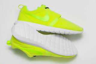 """Nike Roshe Run Motion """"Volt"""""""