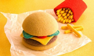 Amazing Hand-Knitted Food by Jessica Dance and David Sykes