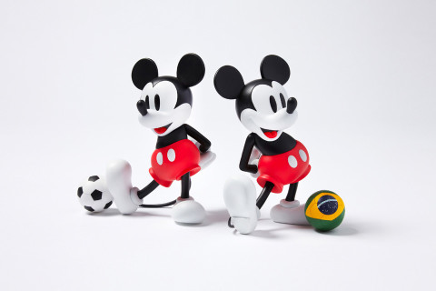 SOPHNET. x Medicom Toy VCD Mickey Mouse with Football
