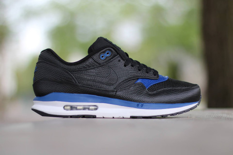 """online store f35ec 0c025 Following the release of the Air Max Premium """"BlackMetallic Silver"""" pack,  Nikes Lunar-equipped rendition of its iconic Air Max 1 silhouette receives  a ..."""
