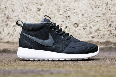 lowest price 53c72 c8463 Ending the summer season on a high note (or shall I say, mid note), Nike  has released a new iteration of its beloved Roshe Run Mid silhouette.