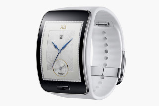 Samsung Presents Curved Gear S Smartwatch
