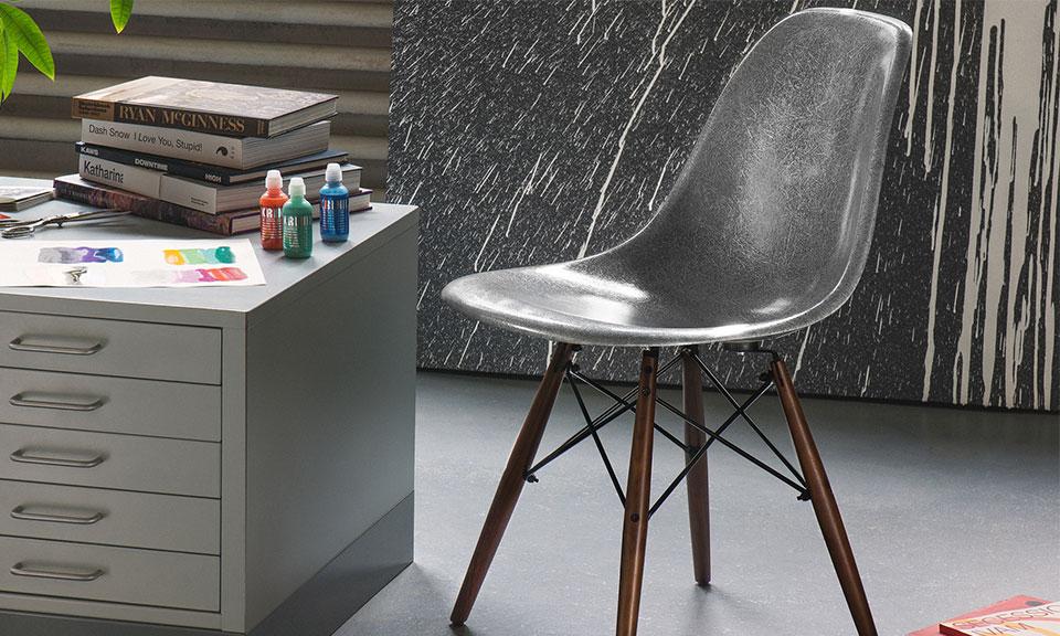 Krink x modernica fibreglass side shell chair highsnobiety for Eames dsw fibre de verre