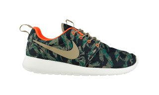 "Highsnobiety x Foot Locker | Nike Roshe Run ""Camo"""