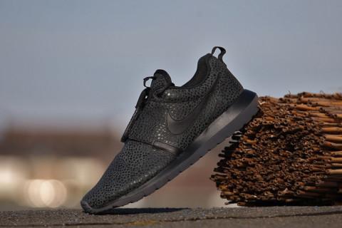 Livraison gratuite sortie Footaction en ligne Nike Roshe Courir Le Mouvement Naturel Sneaker Ouest De Safari De Démarrage sortie grand escompte images de vente eQk7P7JB