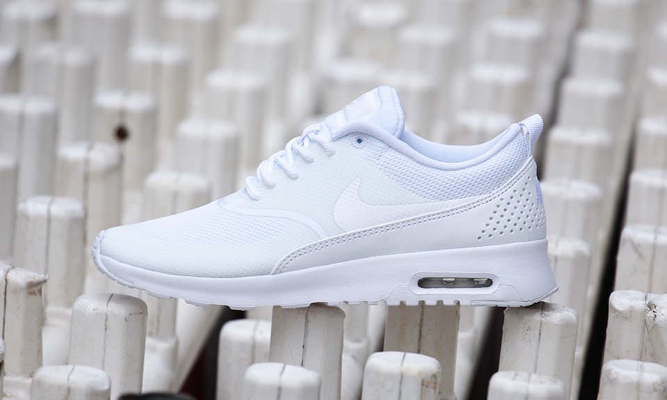 all white nike air max thea womens